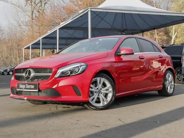 Mercedes-Benz A 180 Urban LED Navi Distronic Totwinkel