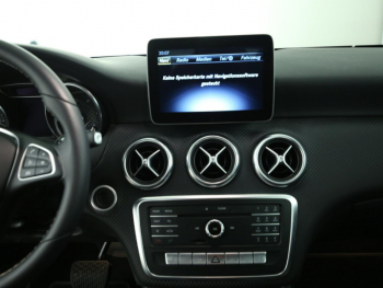 Mercedes-Benz A 180 Urban LED Navi Distronic Totwinkel 7G-DCT