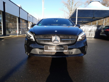 Mercedes-Benz A 180 Urban Night Navi LED ParkPilot KeylessGo