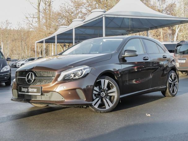 Mercedes-Benz A 200 d Urban Night Comand LED AHK Kamera uvm.