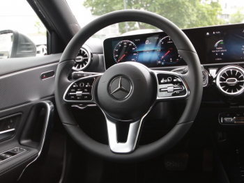 Mercedes-Benz A 180 d Progressive Navi MBUX Sound LED Kamera