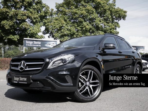 Mercedes-Benz GLA 200 Urban Night Score Navi PanoramaSD LED