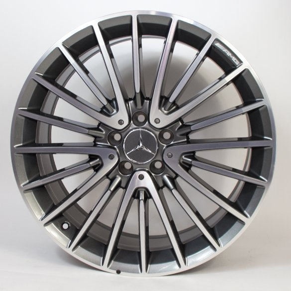 AMG 20 inch wheel set multi-spoke wheel / titanium grey GLA X156 original Mercedes-Benz
