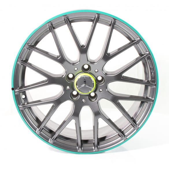 A 45 AMG 19 inch rim set cross spoke design green rim flange A-Class W176