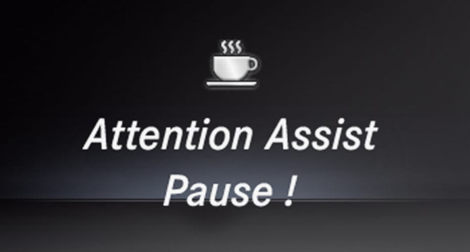 "Attention Assist Display Anzeige ""Pause"""